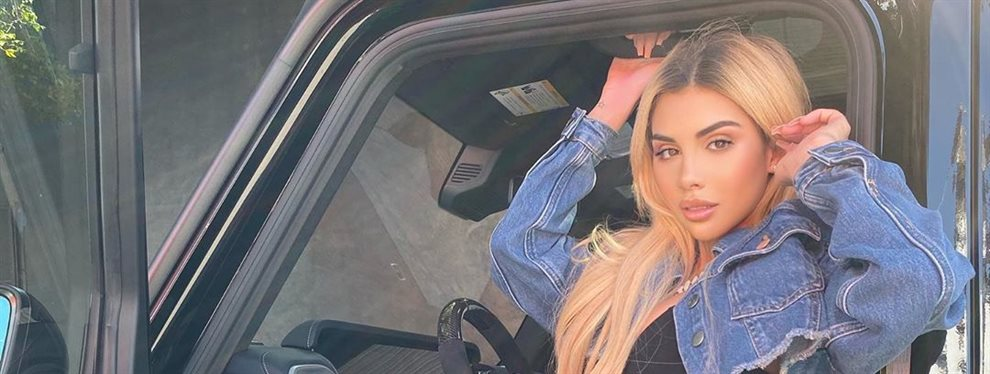 La hija de Myrka Dellanos, Alexa Dellanos, se ha puesto unos jeans varias tallas más pequeñas y la tela no ha podido soportar tanta presión estallando