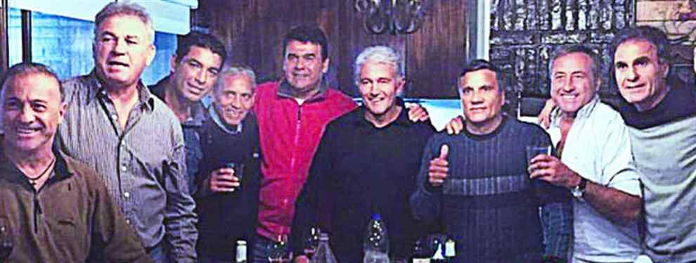 La camada de campeones del '86 salieron al rescate de Lionel Messi