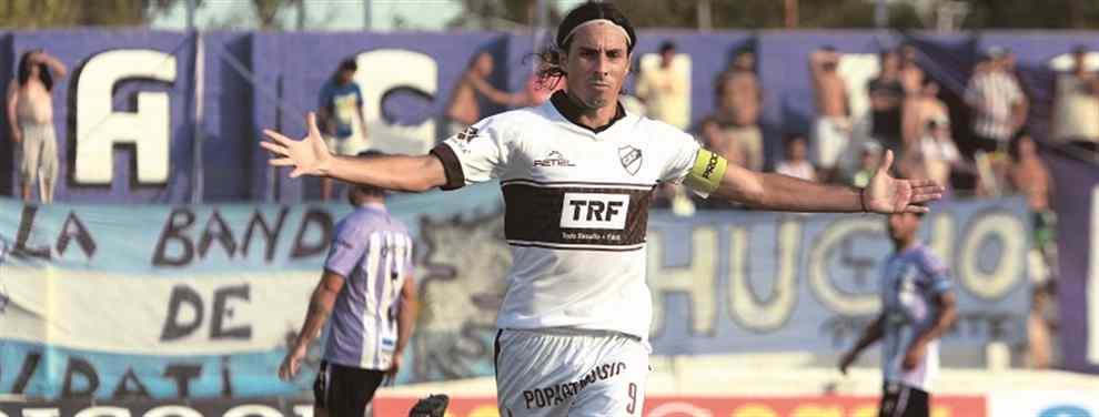 Platense ganó y mira a todos desde arriba. PRIMERA B. El Calamar piso fuerte en Soldati, venció 2-1 a Sacachispas y es el líder del torneo; además Trapito Vega quedó en la historia al convertirse en el máximo goleador del Marrón