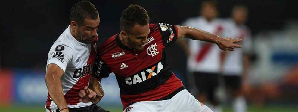 Por la garra charrúa, River rescató un empate en Brasil